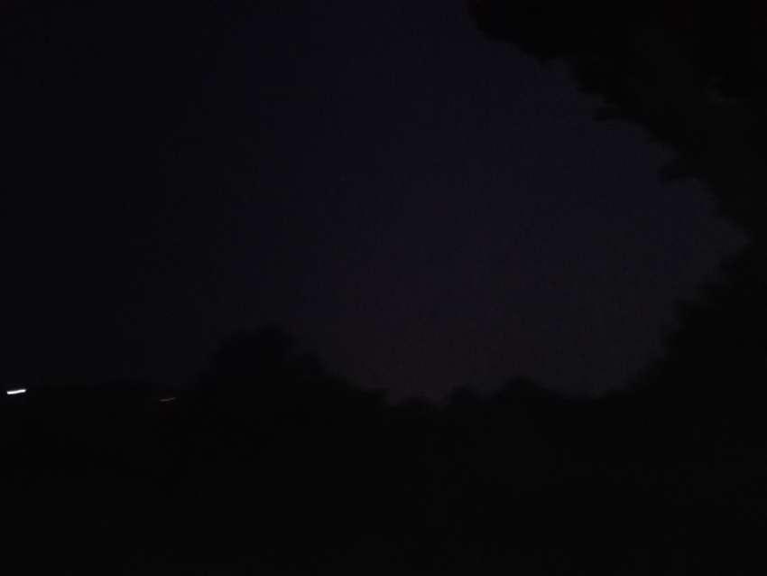 Μαύρη μαυρίλα ο <br> ουρανός πάνω <br> από Ραφήνα Πικέρμι