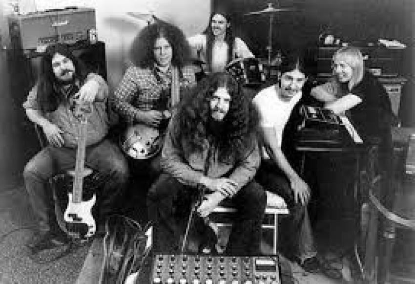 Η χρονομηχανή σταμάτησε <br> στο 1978 Ένα συγκλονιστικό <br> τραγούδι (βίντεο)