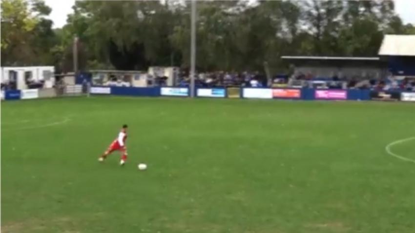 Τερματοφύλακας <br> σκοράρει από <br> 70 μέτρα! (βίντεο)