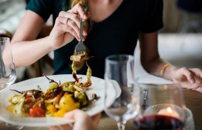 Οι 10 ιδανικές τροφές <br> για τις γυναίκες <br> άνω των 40 ετών