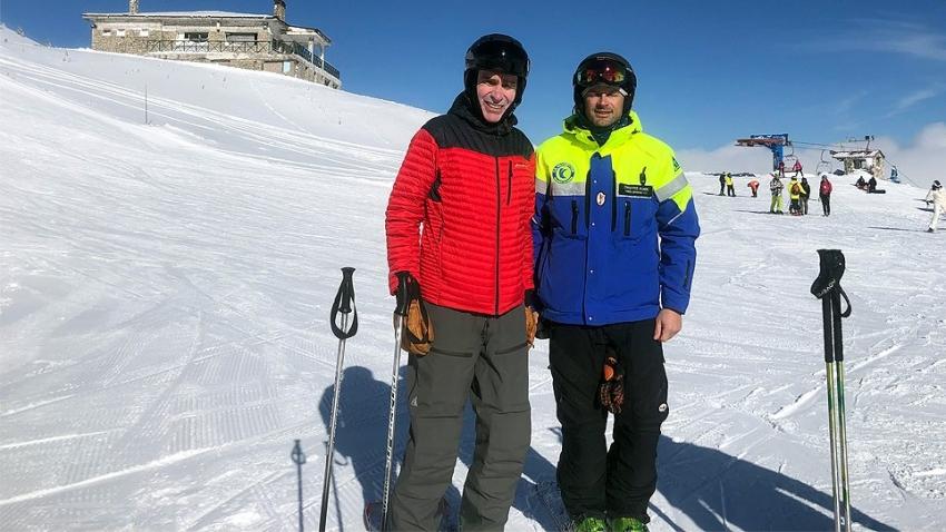 Στα Καλάβρυτα για <br> σκι ο Αμερικανός <br> πρεσβευτής (εικόνα)