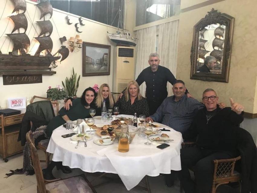 Eκλεκτή παρέα <br> για γεύμα <br> στη Ραφήνα