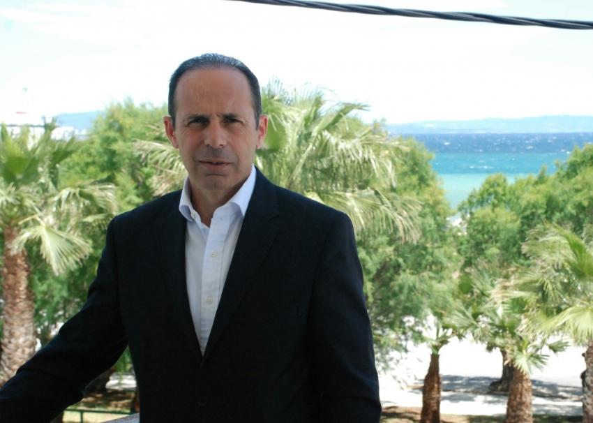 Βαγγέλης Μπουρνούς: <br> Δέσμευση, τα σχολεία <br> στον δήμο