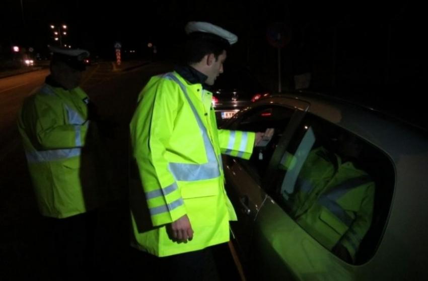 Έλεγχοι αλκοτέστ <br> Ένας στους δέκα <br> οδηγούς μεθυσμένος