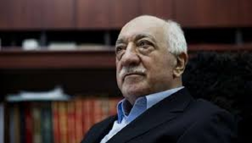 ''Ο Ερντογάν είναι <br> σαν τον Χίτλερ'' <br> λέει ο Γκιουλέν