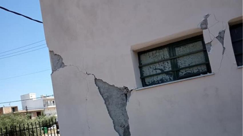 700 κτίρια με <br> ρωγμές στη Φυλή <br> από τον σεισμό